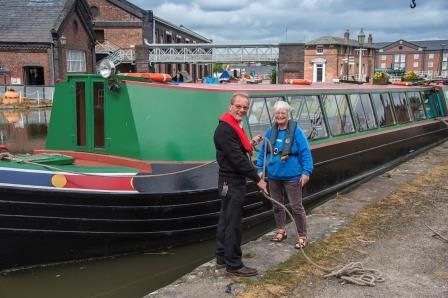 Volunteers ready a trip boat at National Waterway Museum, Ellesmere  Port (Canal & River Trust)