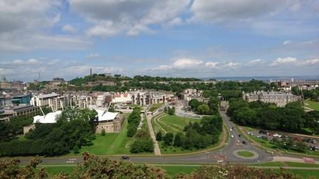 Figure 1. In 2015 Edinburgh's urban forest was assessed using i-Tree Eco  which estimated for a total of 712,000 trees an annual benefit value of  £1.82 million6 © Kathryn Hand/Forest Research