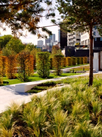 Serpentine gardens (Timothy Soars)