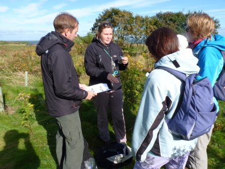 Volunteers receive training in bumblebee ID (East Lothian Council)