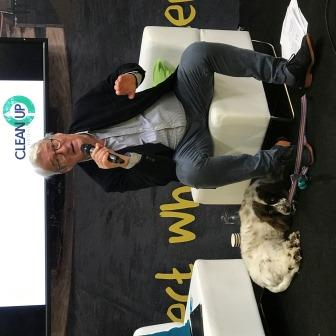 Jeremy Paxman, Patron of Clean Up Britain, talking to 500+ people at the national waste conference at the NEC (Credit: Sybil Ruscoe)