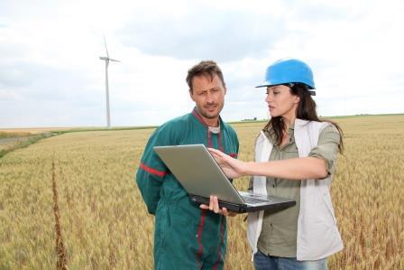 People working in the field (Shutterstock)