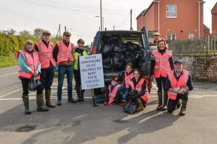 The South Shropshire Hunt out helping to keep our countryside clean (The Countryside Alliance)