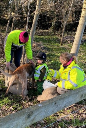 Members of the Bicester and Whaddon Chase out litter picking (The Countryside Alliance)