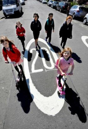 Living Streets is behind the world's  biggest Walk to School campaigns  (Living Streets)