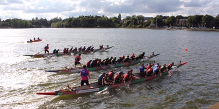 Dragon boating racing in Birmingham (Canal & River Trust)