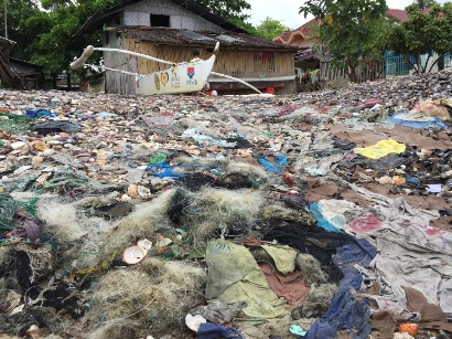 Beach plastic in the Philippines (Heather Koldewey)
