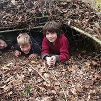 Den – Bushcraft Skills (Countryside Education Trust)