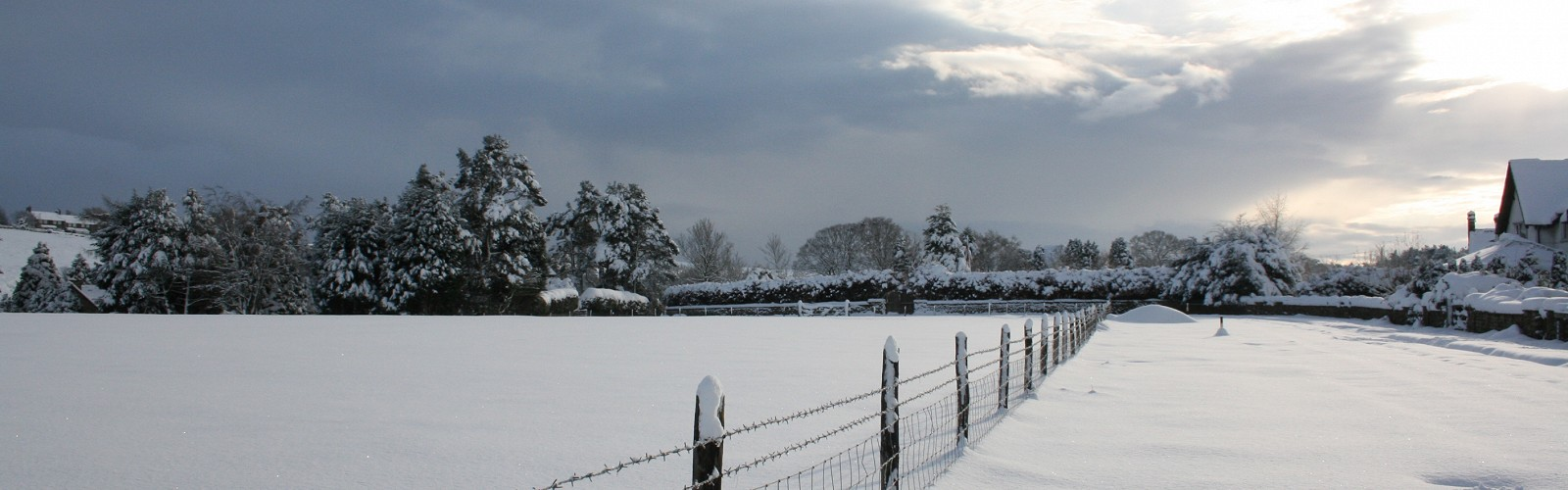 a snowy Mill Green Way (lane to CJS office) image: K Humphreys 2010