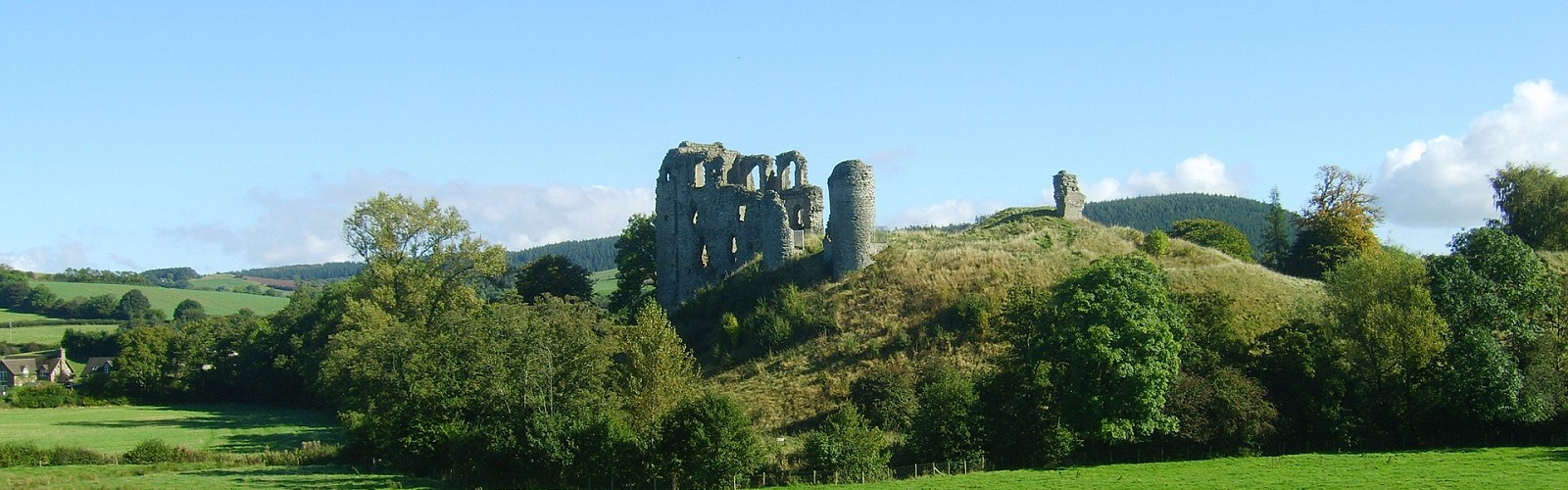 ruins of Clun Castle in Shropshire (image: Sean Scannell / pixabay)
