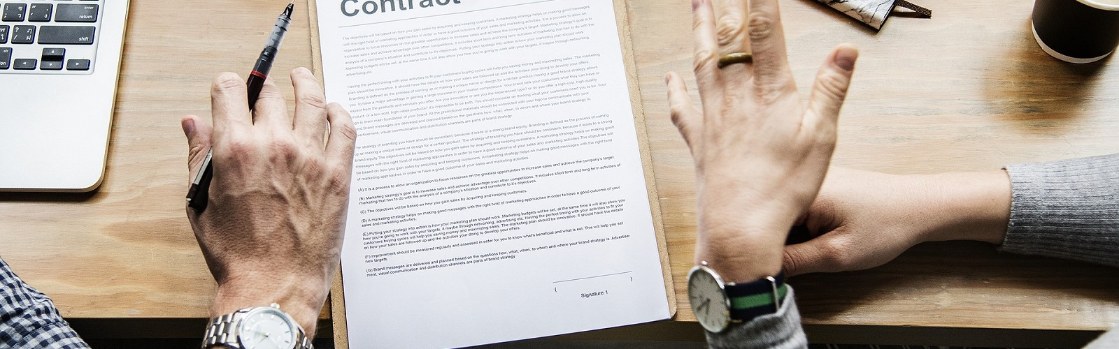 Contract document (pixabay)