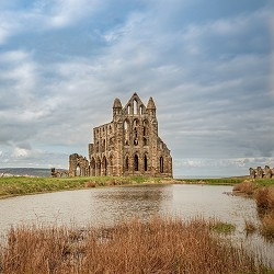 Whitby Abbey (image: Michael Beckwith / pixabay)